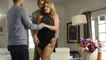 Лиза устала от секса с мужем и согласился отдаться другому