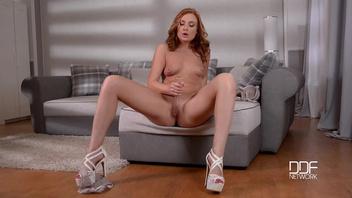 Ева Бергер (Eva Berger) любит красивую мастурбацию №2