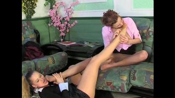 Эротическое порно видео в кружевных колготках №11